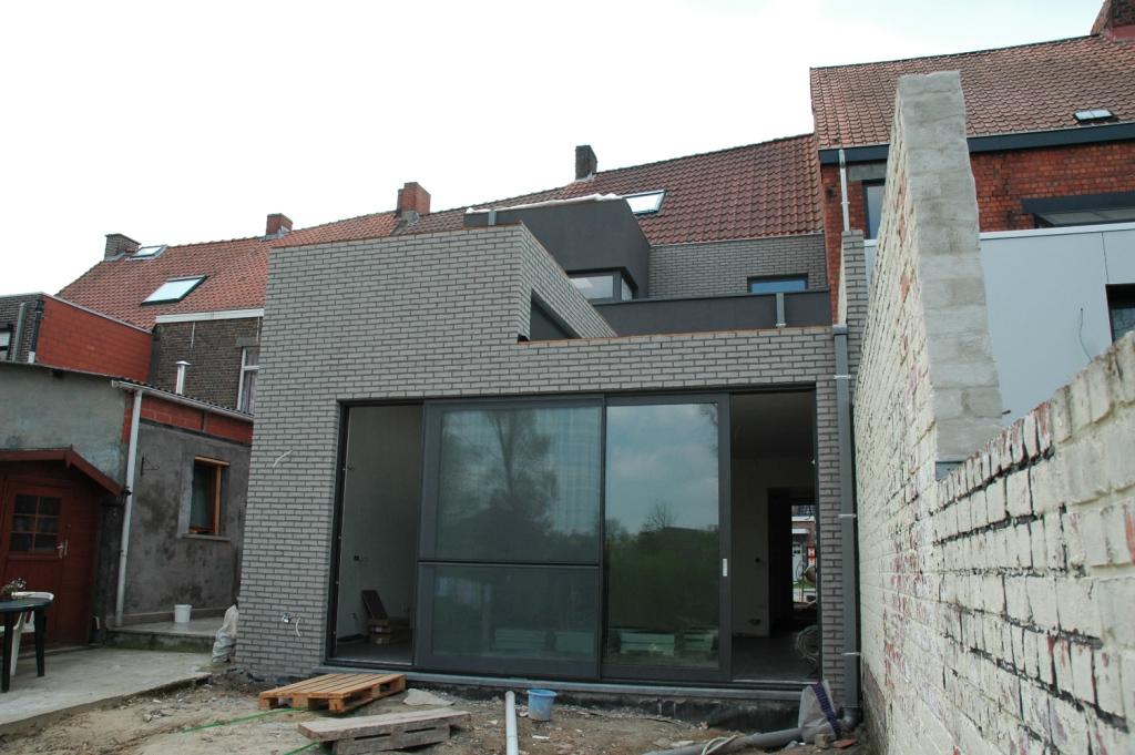 Vlaamse koterijen wordt een moderne achterbouw buro arno for Modernes buro
